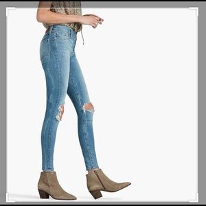Distressed, Light Wash Brooke Legging from Lucky